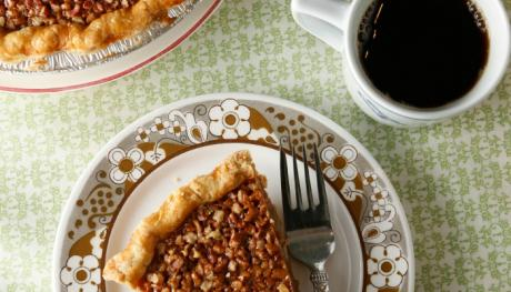 Pecan pie and coffee at Muddys