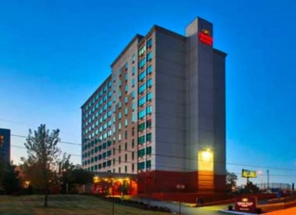 Located just one block from the Memphis Cook Convention Center, the Crowne Plaza Memphis Downtown offers comfort and convenience for guests. Photo by Justin Fox Burks.